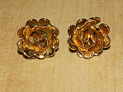 Pair Vintage Napier Costume Jewelry Pierced Earrings Roses Gold-tone