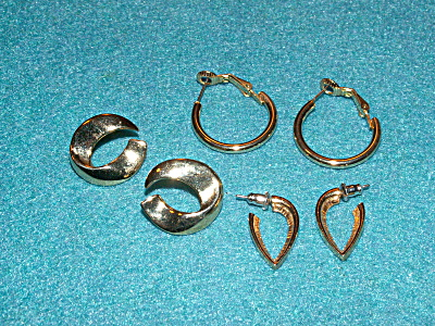 Group Of 3 Pairs Pierced Earrings Costume Jewelry All Gold-tone Color