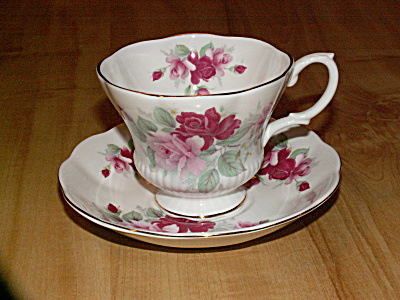 Vintage Royal Albert Bone China Tea Cup & Saucer Pink & Red Roses
