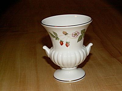 Vtg Wedgwood Wild Strawberry Bone China Small Flower Urn Vase Handles