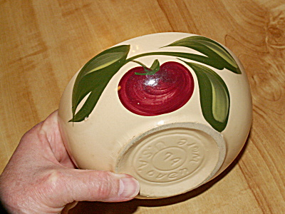 Vintage Watt Pottery Apple Cereal Bowl #74 Oven Ware Hand Painted (Image1)