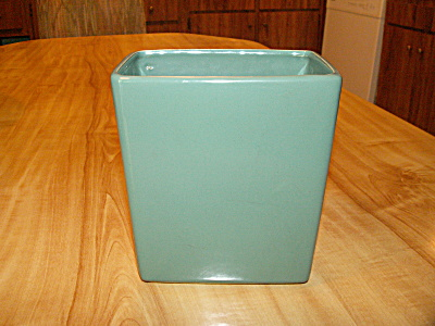 1958 Vintage McCoy Pottery Garden Club Line Green Rectangular Vase (Image1)