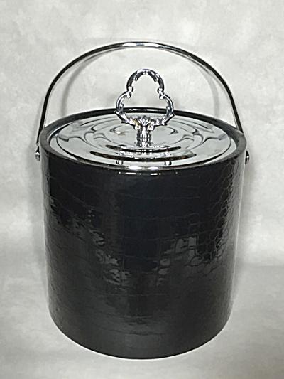 Midcentury Irvinware black plastic large size ice bucket (Image1)