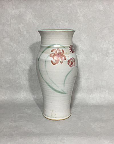 Vermont Studio potter Judith Bryant 10 inch red flloral vase (Image1)