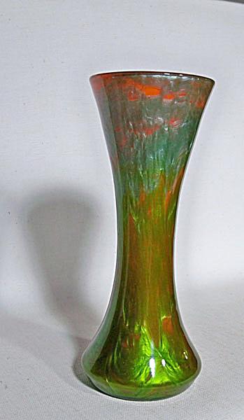 Loetz 8 inch Titania Gre 2534 vase (Image1)