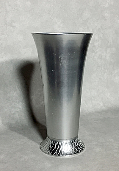 Kenginston Lurelle Guild design #7032 Kingston aluminum Art Deco vase (Image1)