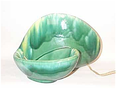 green drip biomorphic TV lamp (Image1)