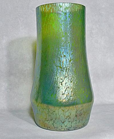 Loetz green Papillon oilspot 10 inch vase (Image1)