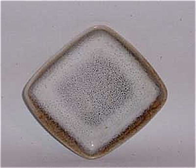 Ballard early studio 3 5/8 inch square dish (Image1)