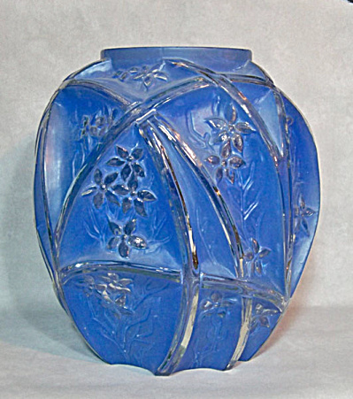 Consolidated 10 inch tall Line 700 Blue ceramic wash vase (Image1)