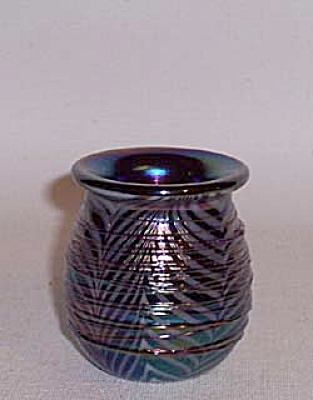 Crider 1979 bulbous threaded toothpick holder (Image1)