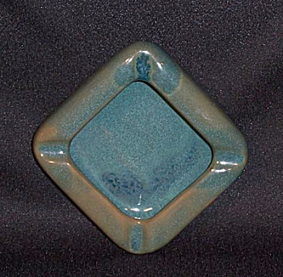 Mountain Kiln Pottery Vermont 4 inch ashtray (Image1)