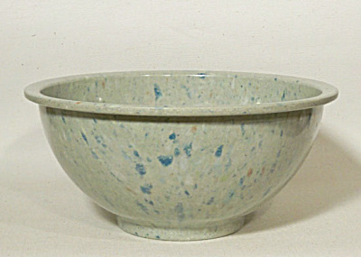 Texas Ware #118 vintage light green bowl (Image1)