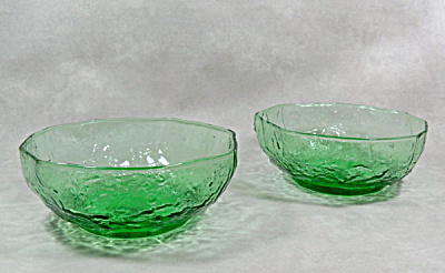 pair Morgantown Crinkle Shamrock Green bowls (Image1)