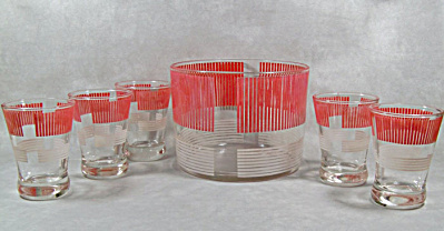 Great red white stripe Ice Tub with 5 glasses (Image1)