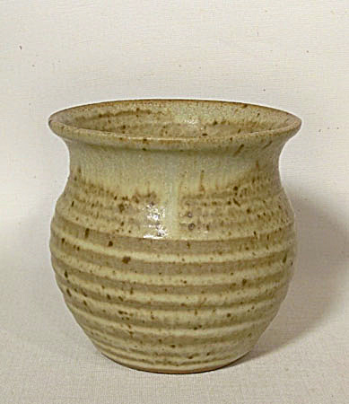 Georges Scatchard early 4 inch tall vase (Image1)