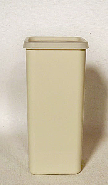 Tupperware 1827-6 Almond Cheese Keeper (Image1)