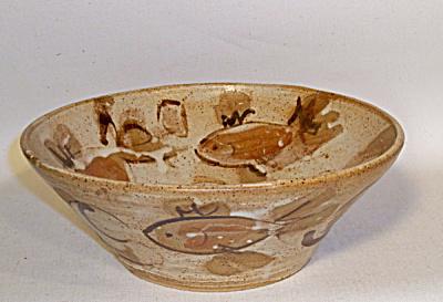 Bryant Fish decorated bowl (Image1)