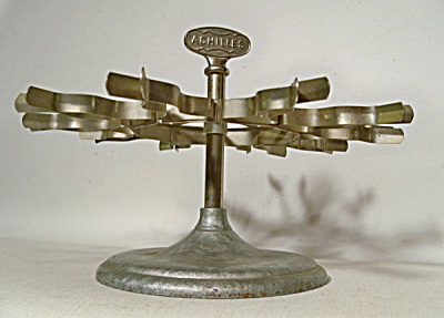 Vintage Achilles Rotating 10 Stamp holder (Image1)