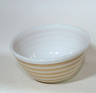 Pyrex 402 Rainbow Stripes 1965 mixing bowl (Image1)