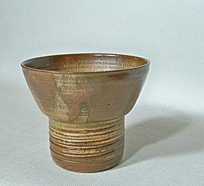 Merritt Island Pottery Melvin Casper vase (Image1)