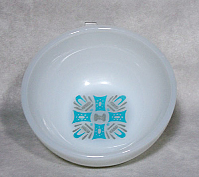 Fire-King Mar-Crest Blue Heaven cereal bowl (Image1)