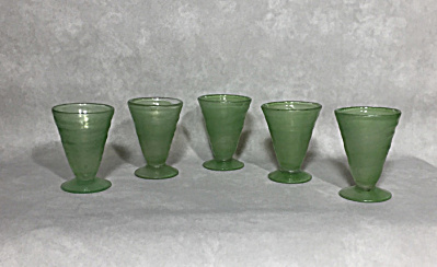 Set 5 Consolidated 1927-1940 Catalonian #1122 jade footed whiskeys (Image1)