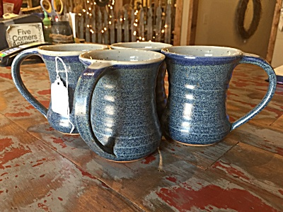 Scatchard set 4 monogrammed blue coffee mugs (Image1)