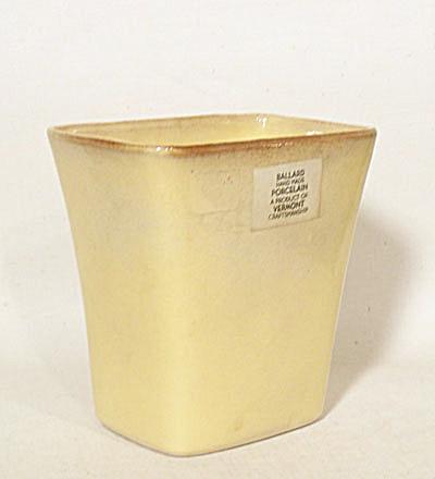 Ballard #19 (Mark #2) mustard vase with label (Image1)