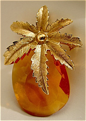 Sarah Coventry Autumn Haze Pineapple Pin / Pendant (Image1)