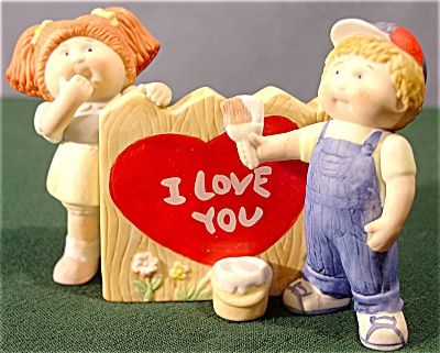 Cabbage Patch Kids Valentine's Day Figurine (Image1)