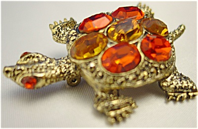 Golden Turtle Brooch with Amber and Citrine Rhinestones (Image1)