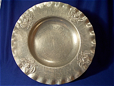 Shallow Aluminum Bowl with Roses (Image1)