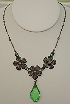 Exquisite Art Nouveau Drop Pendant Floral Necklace (Image1)
