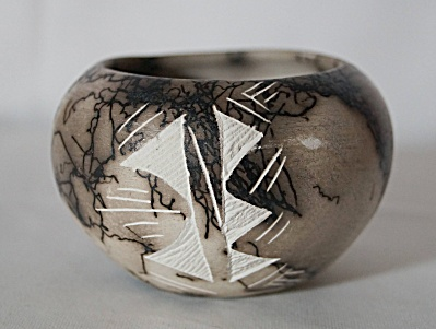 Miniature New Mexico Navajo Horsehair Etched Clay Pot (Image1)