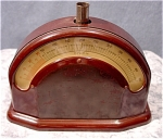 <b>This vintage bakelite scale is in good working order.  It is missing the top tray, but I am sure a replacement can be found.   