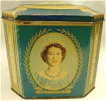 <b>This vintage Gray Dunn Biscuit Tin created this tribute to the coronation of Queen Elizabeth II. 
