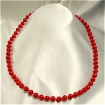 Click here to enlarge image and see more about item 158: 1940s Trifari Single Strand Beaded Necklace