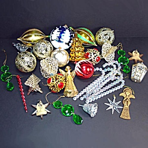 1970s Lot 32 Plastic Christmas Ornaments