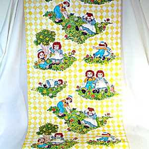 Raggedy Ann and Andy Vintage 9 Foot Roll Contact Paper Wallcovering (Image1)
