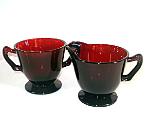 Anchor Hocking Royal Ruby Footed Creamer and Sugar Set (Image1)