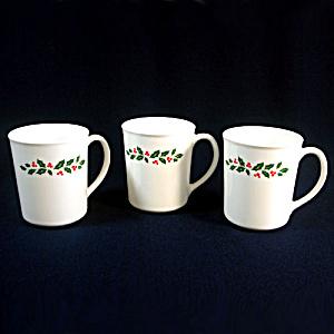 3 Corelle Corning Ware Winter Holly Christmas Coffee Mugs (Image1)