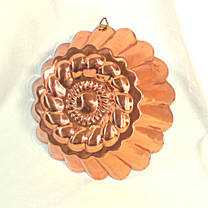 Fluted Copper Rope Twist Kitchen Mold (Image1)