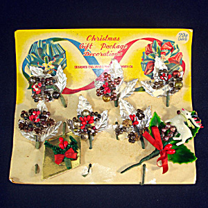 1940s Christmas Package Mercury Beads Corsage Trims on Card (Image1)