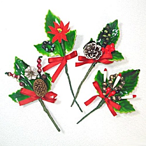 Lacquered Holly 1950s Christmas Package Trims or Corsage Picks (Image1)