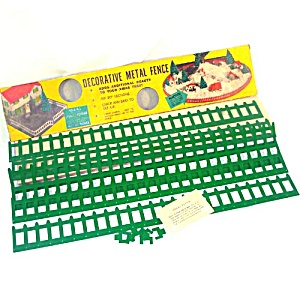 1950s Green Metal Christmas Tree Dollhouse Fence Mint in Box (Image1)