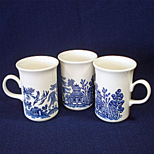 Churchill England Blue Willow Set 3 Coffee Mugs (Image1)