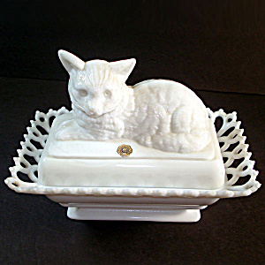 Westmoreland Milk Glass Covered Cat Dish Rectangular Lacy Base (Image1)