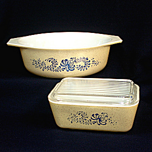 Pyrex Homestead Refrigerator And Casserole Dishes
