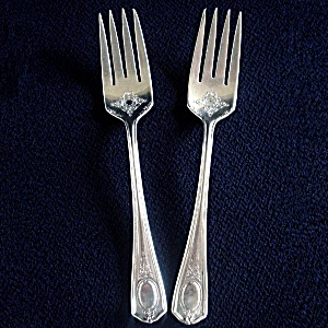 Louis Xvi Oneida 1911 Silverplate 2 Salad Forks
